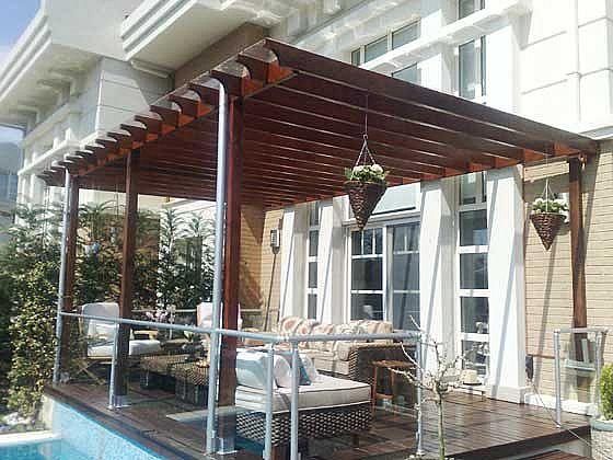 stü-Kapalı-Rustik-Balkon-Dekorasyonu Balkonlarda Rustik Dekorasyon Fikirleri