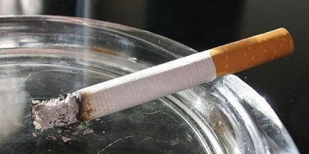 Awesome Camdan sigara lekesi nasıl çıkar? Tütün ve sigara kokusunu evinizden nasıl temizleyebilirsiniz.