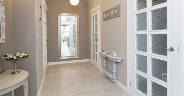 contemporary-hol-dekorasyonu-nasil-yapilir-646x340-evinizin-giris-holunu-dekore-etmek-3 Evinizin giriş holünü dekore etmek