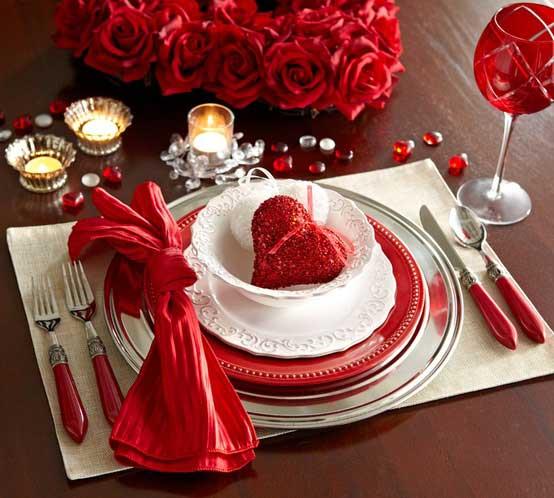 chic-romantik-yemek-romantik-sevgililer-gunu-masa-dekor-ayarlari-28 Romantik sevgililer günü  masa dekor ayarları