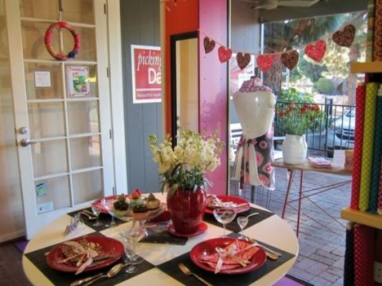 compact-sevgililer-gunu-romantik-sevgililer-gunu-masa-dekor-ayarlari-30 Romantik sevgililer günü  masa dekor ayarları