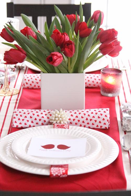 popular-sevgililer-gunu-romantik-sevgililer-gunu-masa-dekor-ayarlari-14 Romantik sevgililer günü  masa dekor ayarları