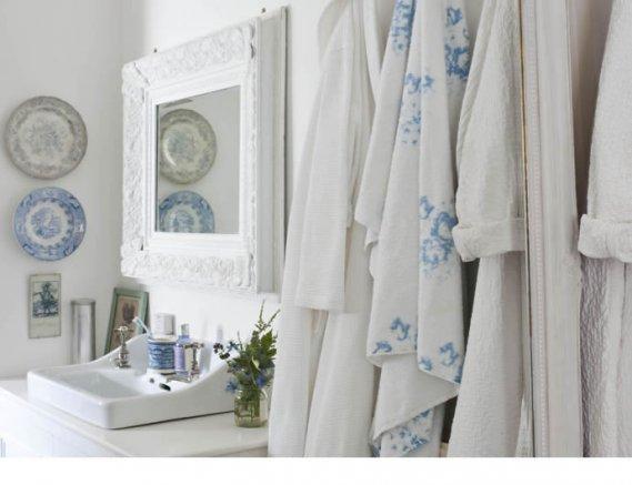 Banyoda-Duvar-Tabakları Duvar Tabak Modelleri