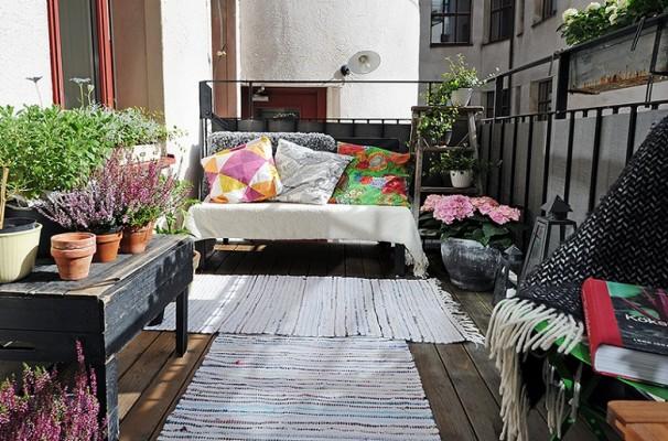 Güzel-Rustik-Balkon-Dekoru Balkonlarda Rustik Dekorasyon Fikirleri