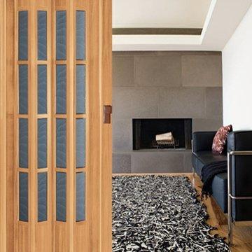 Koçtaş Camlı PVC Katlanır Kapı Modeli