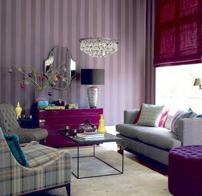 Mürdüm-rengi-salon-dekorasyonu Mürdüm Rengi Dekorasyon
