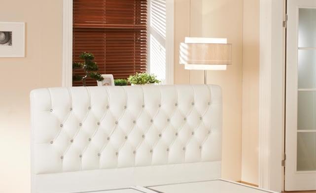 Modern-Beyaz-Deri-Yatak-Başlık-Modeli Deri Yatak Başlık Modelleri
