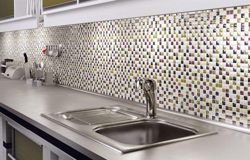 Mutfak-Renkli-Cam-Mozaik-Modeli Mutfak Cam Mozaik Modelleri