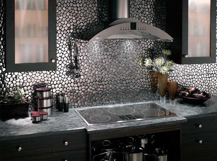 Parlak-Mutfak-Gümüş-Rengi-Cam-Mozaik Mutfak Cam Mozaik Modelleri