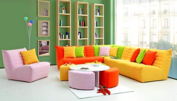 Renkli kumaşlı koltuk takımları