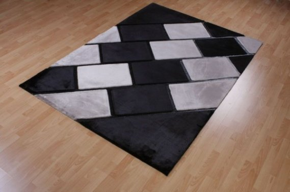 Siyah-Beyaz-Deri-Halı Deri Halı Modelleri