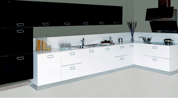 Strau-Hg-Siyah-Verna-Hg-Beyaz Kelebek Mutfak Modelleri 2018