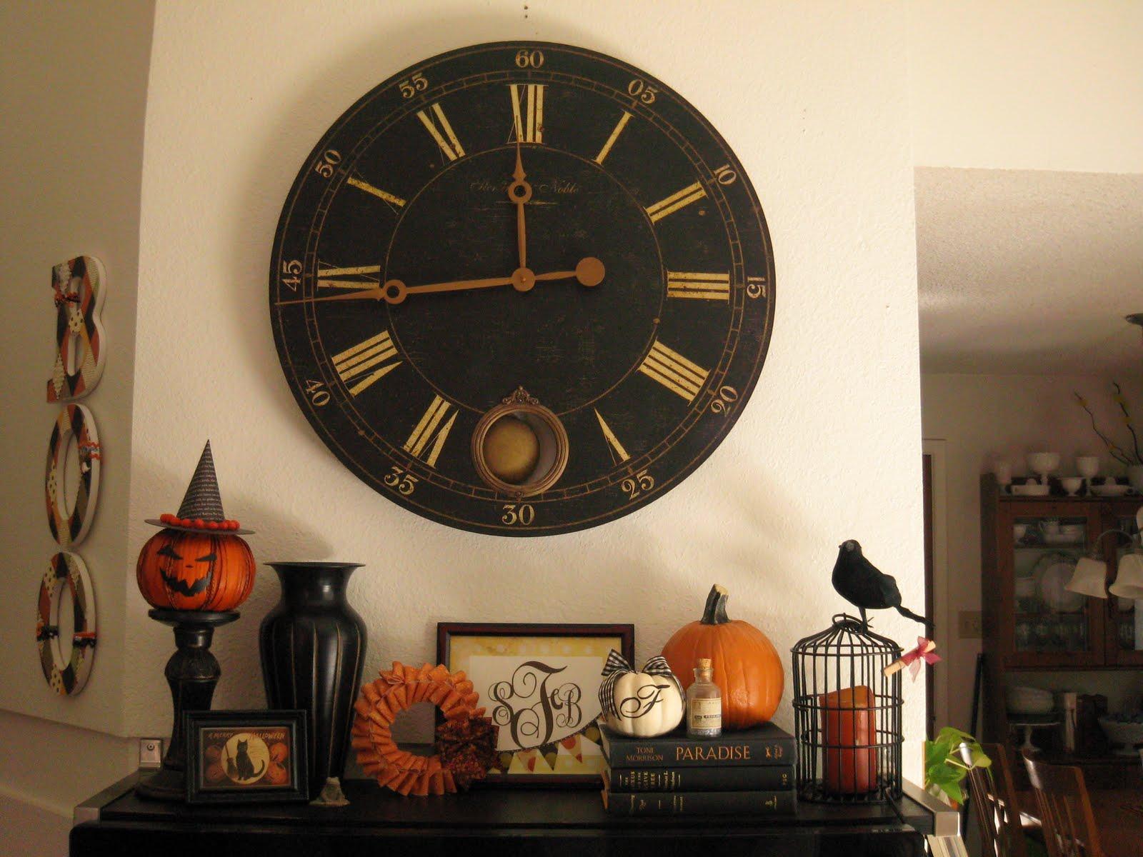 ahsap-buyuk-duvar-saatleri Duvar Saati Dekorasyonda Nasıl Kullanılır