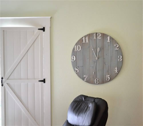 ahsap-regal-duvar-saatleri Duvar Saati Dekorasyonda Nasıl Kullanılır