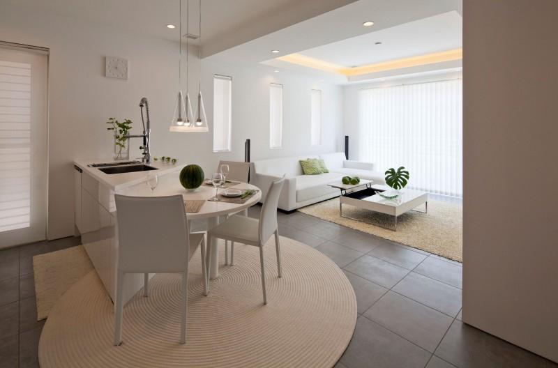 beyaz-yuvarlak-mutfak-masaları-2017 2017 Mutfak Masası Modelleri