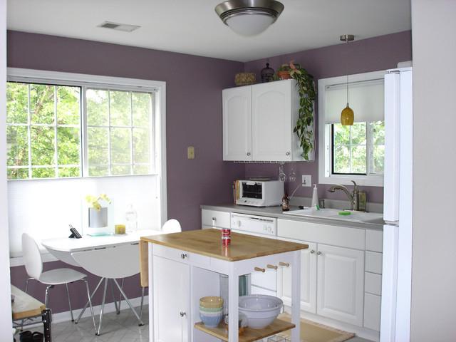 lila-beyaz-kucuk-mutfak-dekorlari Lila Mutfak Modelleri