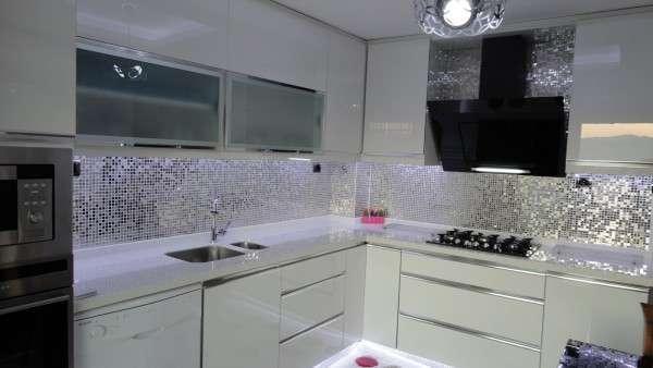 mutfak-tezgah-arasi-tezgah-arası-fayans-modelleri Mutfak tezgah arası cam mozaik modelleri
