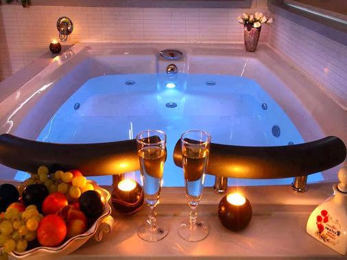 Romantik Banyo Dekorasyon Önerileri