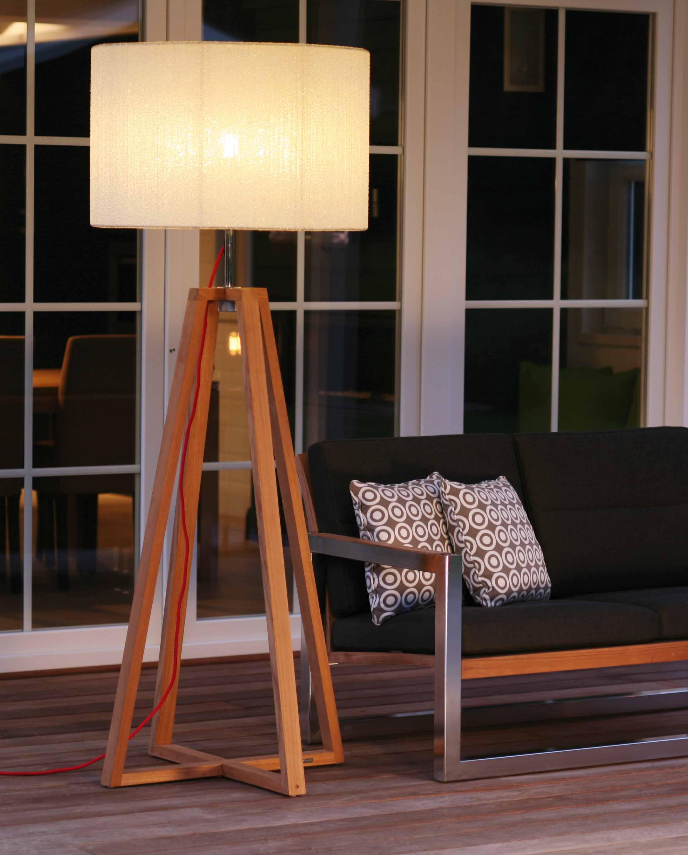 tripod-lambader-modeli-2017 Dekorasyonda Kullanabileciğiniz En Şık Dekorasyon Ürünleri